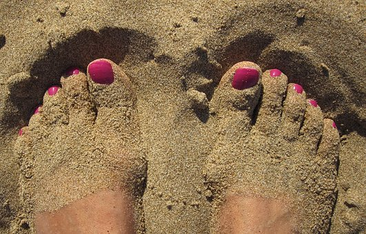 How to Cure Black Toenails? What You Need to Know (Today!)